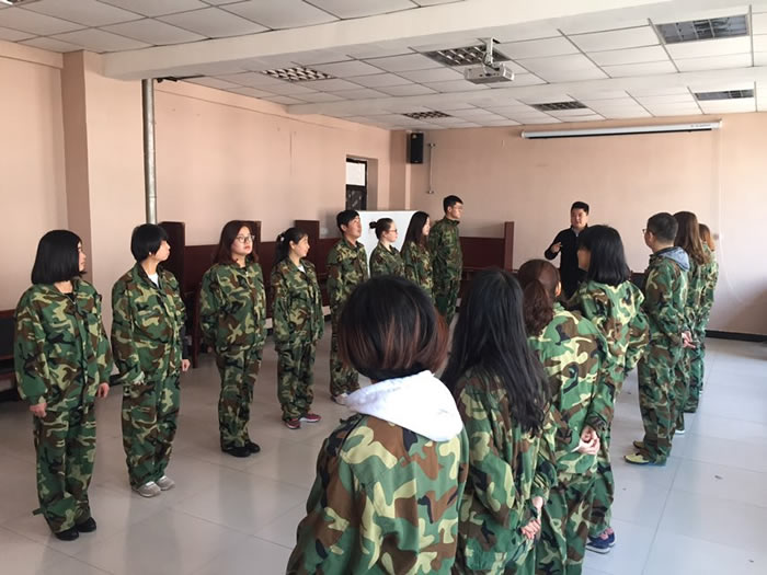 杨凌新东方精英团队4月初参加拓展培训