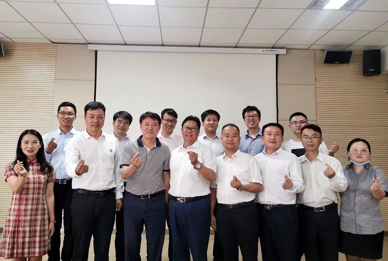 新疆福海县工业园区领导与杨凌青企协 举行项目投资座谈交流